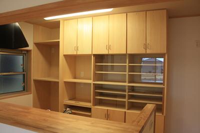キッチン収納もオリジナル。大工の製作。